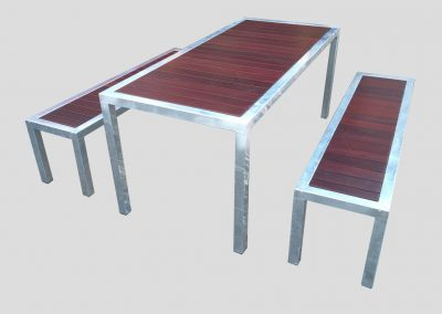 Recessed Setting 3pce galvanised frame