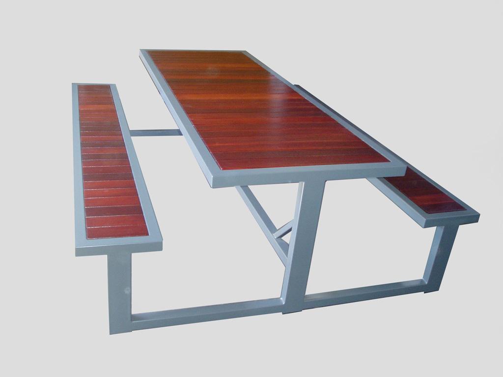 3T outdoor table recessed jarrah top