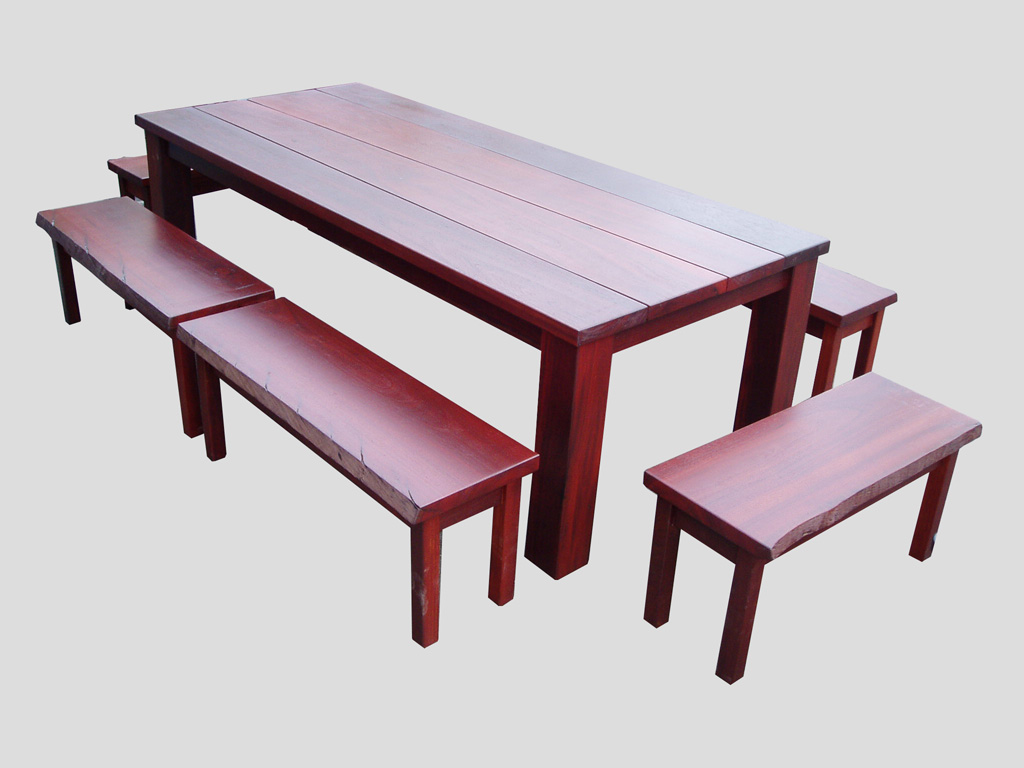 Jarrah Outdoor Table Setting