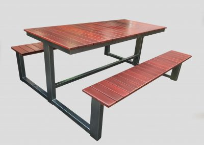 3T Table with 85x20mm slat seats